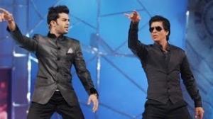 Shah Rukh Khan,Anushka Sharma Performance at Umang Police Awards 2013