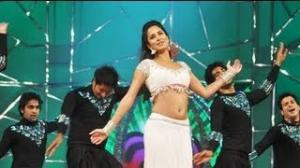 Katrina Kaif Dance Performance at Umang Police Awards 2013