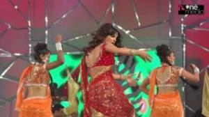 Priyanka Chopra Dance Performance at Umang Police Awards 2013