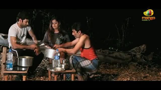 Usuru Telugu Movie Scenes - Ghost of Abhinaya appears - Madhavi Latha - Telugu Cinema Movies