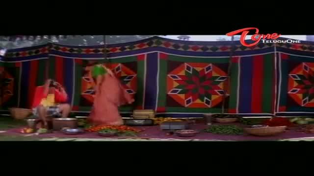 Telugu Comedy Scene From Snehithuda Movie - Duvvasi Mohan Hits Hot Beauty's Navel With Fruits - Telugu Cinema Movies