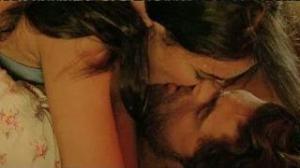 Neil Nitin Mukesh & Sonal Chauhan's HOT KISS in 3G