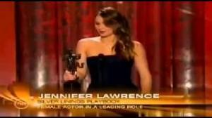 Jennifer Lawrence Breaks Her Dress in Sag Awards 2013 - Best Female Actor