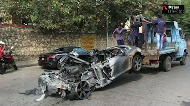 Rs.1.8 crore, Audi R8 burnt in Mumbai Car Show