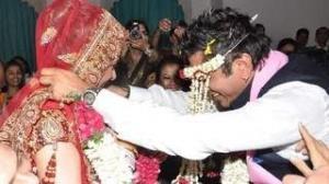 Tanushree dutta amp emraan hashmi in a indian bollywood song - 5 1