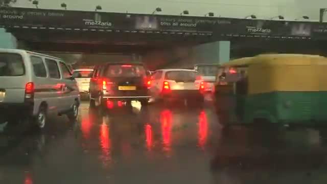 Heavy rain hits capital, cold waves back to North India