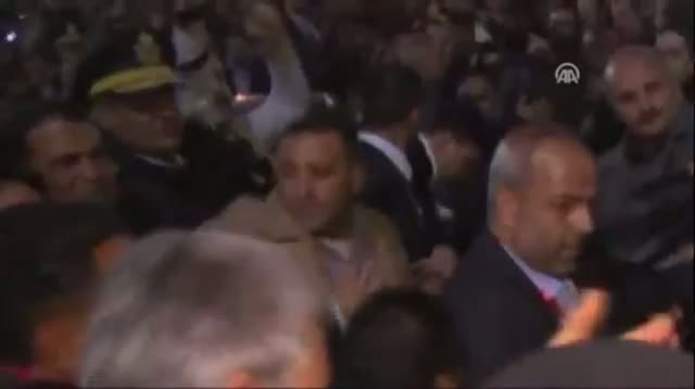 Shoe Appears to Be Thrown at Ahmadinejad