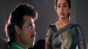 Pavitra Bandham Scenes - Soundarya pleased with Venkatesh's attitude - Venkatesh, Soundarya - Telugu Cinema Movies