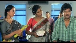 Pavitra Bandham Scenes - Venkatesh trying to impress Soundarya - Venkatesh, Soundarya - Telugu Cinema Movies