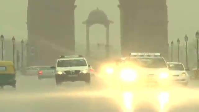 Rains disrupt normal life and traffic in Delhi
