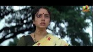 Pavitra Bandham Scenes - Soundarya worried about Venkatesh - Venkatesh, Soundarya - Telugu Cinema Movies