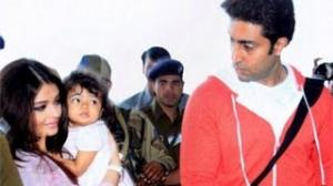 Baby Aaradhya's day out with mom Aishwarya Pics