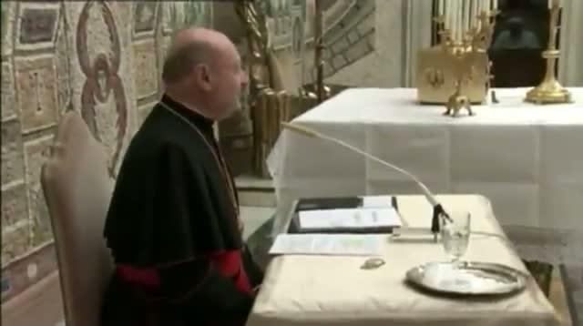 Pope Bendict Prays With Cardinals