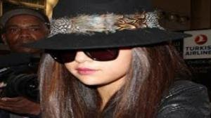 Selena Gomez looking CHIC at the Airport