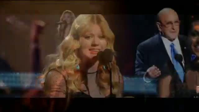 """Kelly Clarkson: Clive Davis """"Spreading False Information About Me And My Music"""""""