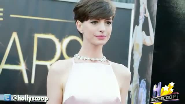 Anne Hathaway Wins Top Honor At The 2013 Oscars