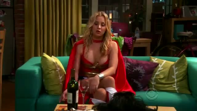 Kaley Cuoco in $exy Wonder Woman costume