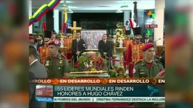 Cuban Pres. Raul Castro Pays Respects to Chavez