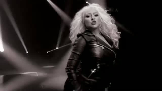 Pitbull - Feel This Moment ft. Christina Aguilera (Official Video)