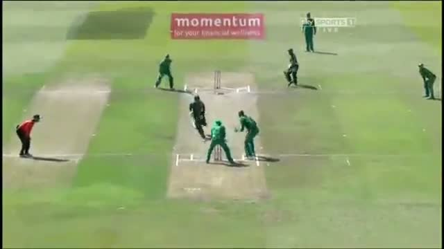 Mohammad Hafeez Run Out Obstructing The Field - Pakistan vs South Africa 4th ODI 2013