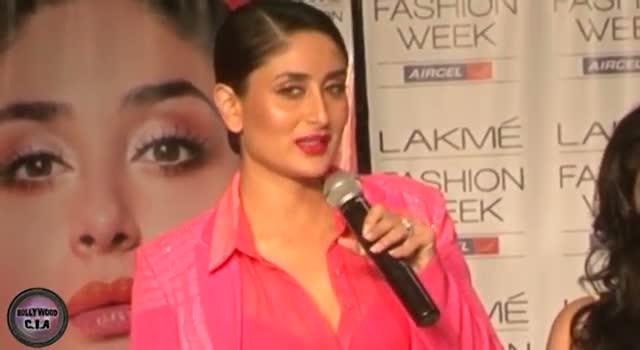 Kareena Kapoor flaunts BRA at LFW 2013 Grand Finale