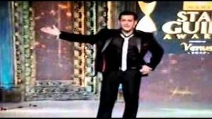 Sonakshi with Salman Popular Song film Dabag2 at Star Guild Awards 31th March 2013 Part 3