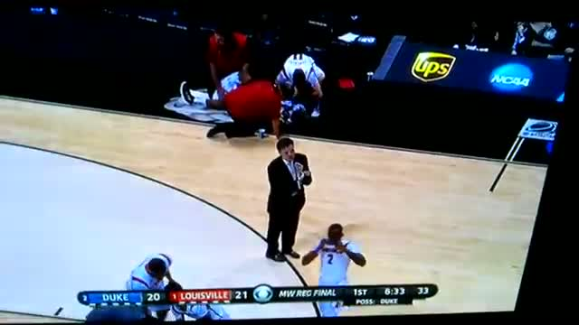 Watch Kevin Ware Broken Leg Gruesome Injury Louisville v