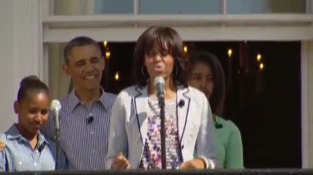 Obamas Welcome Children to Easter Egg Roll