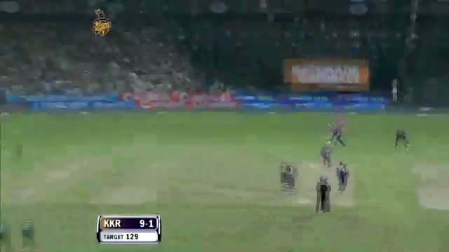 Six hit by Gautam Gambhir off Irfan Pathan in over 2.2 - PEPSI IPL 6 - Match 1