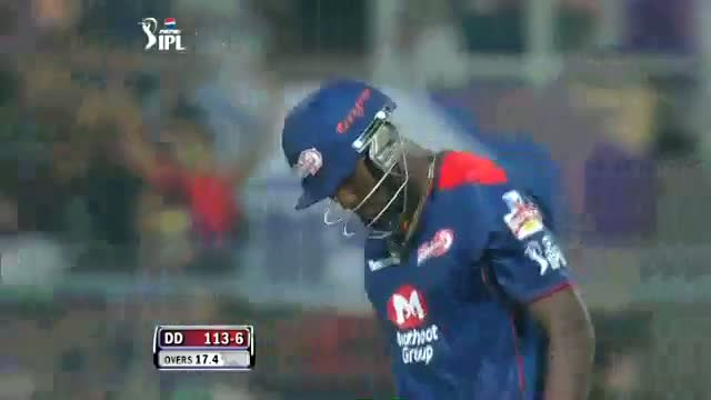 Wicket of Russel taken by Sunil Narine in over 17.5 - DD vs KKR - PEPSI IPL 6 - Match 1