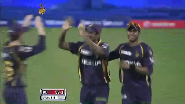 Wicket of Manpreet Juneja taken by Lakshmipathy Balaji in over 8.5 - DD vs KKR - PEPSI IPL 6 - Match 1
