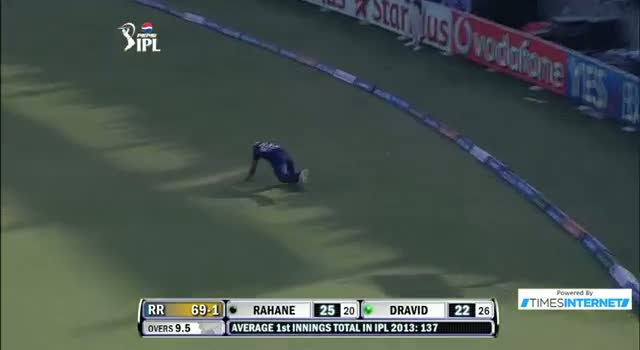 Four hit by Rahul Dravid off Andre Russell in over 9.5 Inning - DD vs RR - PEPSI IPL 6 - Match 4