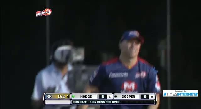Wicket of Brad Hodge taken by Umesh Yadav - DD vs RR - PEPSI IPL 6 - Match 4
