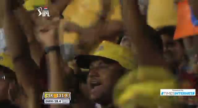 Six hit by MS Dhoni off Mitchell Johnson - CSK vs MI - PEPSI IPL 6 - Match 5