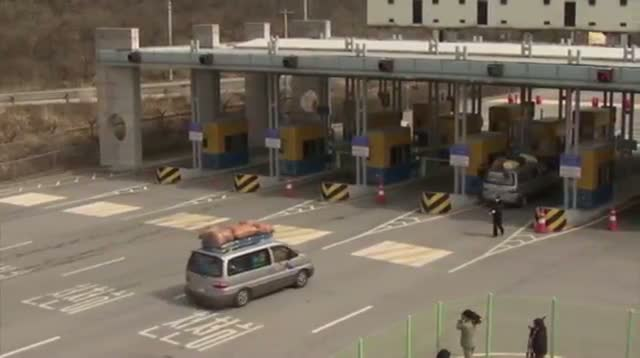 With Border Tension, SKorea Workers Return
