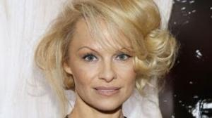 PAMELA ANDERSON is Barely Recognizable!