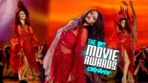 "Selena Gomez Channels Britney Spears for ""Come & Get It"" Performance 2013 MTV Movie Awards"