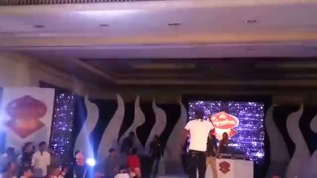 Virat Kohli And Chris Gayle Dancing For Gangnam Style On the Ramp