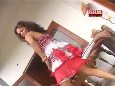 Piya Aaj Rjaiyya Me (Latest Bhojpuri $exy Love Video Song 2013) - From Album Raja Kaile Baani Wada