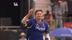 Outstanding Bowling by Shane Watson - PEPSI IPL 6 - RR vs RCB - Match 40