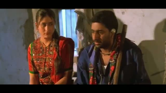 watch kareena kapoor angry with abhishek bachchan dram