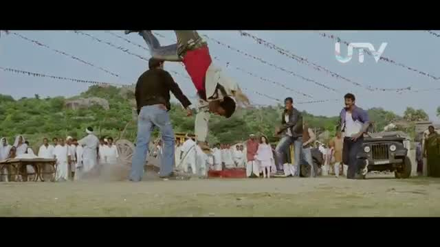Himmatwala - High octane FIGHT Scene - Ajay Devgn