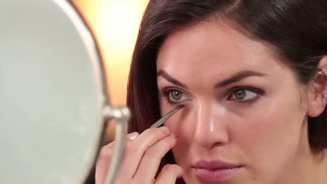 Scarlett Johansson Makeup Tutorial: The Beauty Beat!