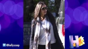 Demi Moore Signs Confidentiality Agreement At Ashton Kutcher's Request