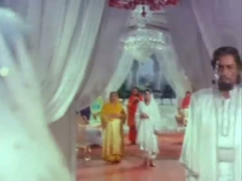 Khoon Ki Pyasi Talwar - Action Scene - Rishi Kapoor, Ranjeet - Laila Majnu