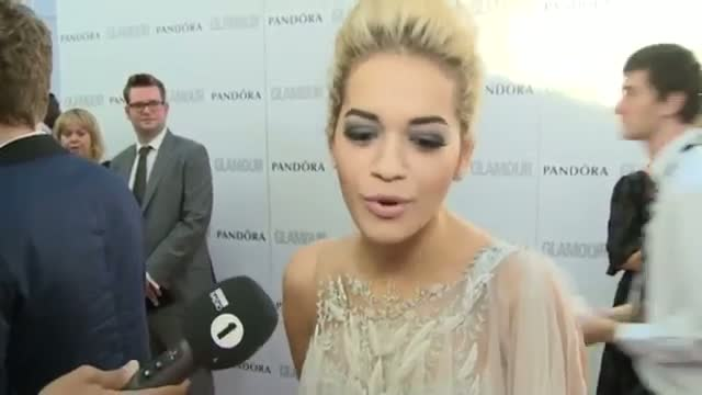 GLAMOUR AWARDS: Victoria Beckham, Rebel Wilson, Rita Ora, Zosia Mamet talk girl crushes