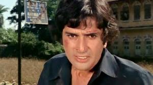 Shashi Kapoor Superhit Action Scene - Mr. Romeo