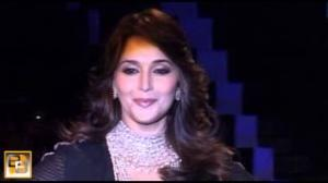 Madhuri Dixit to groove at IIFA Awards 2013