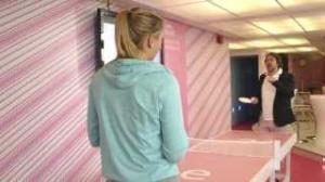 Maria Sharapova vs Jonathan Ross at table tennis