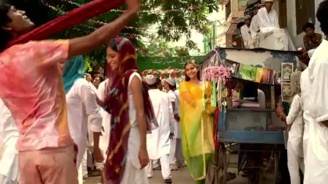 Tum Tak - Raanjhanaa - Official New Song Lyric Video feat Dhanush and Sonam Kapoor